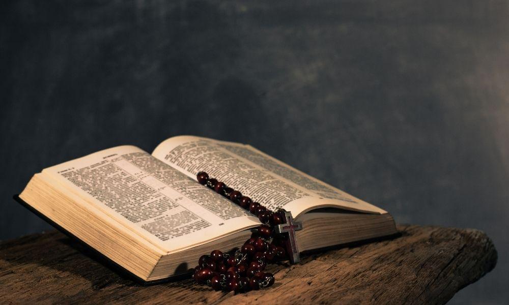 nomes-de-personagens-biblicos-femininos
