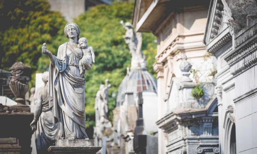 sonhar-com-cemiterio